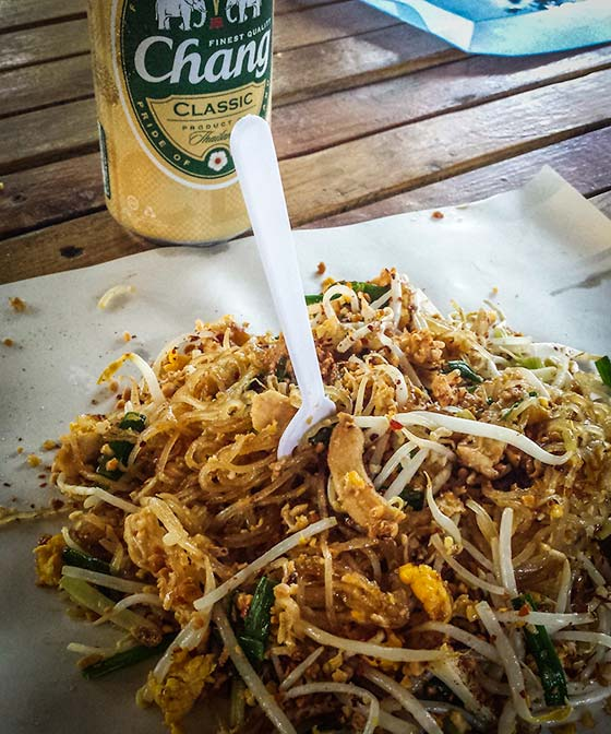 pad thai and chang