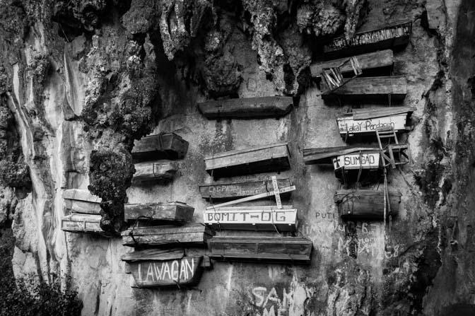 Hanging coffins of Echo Valley.