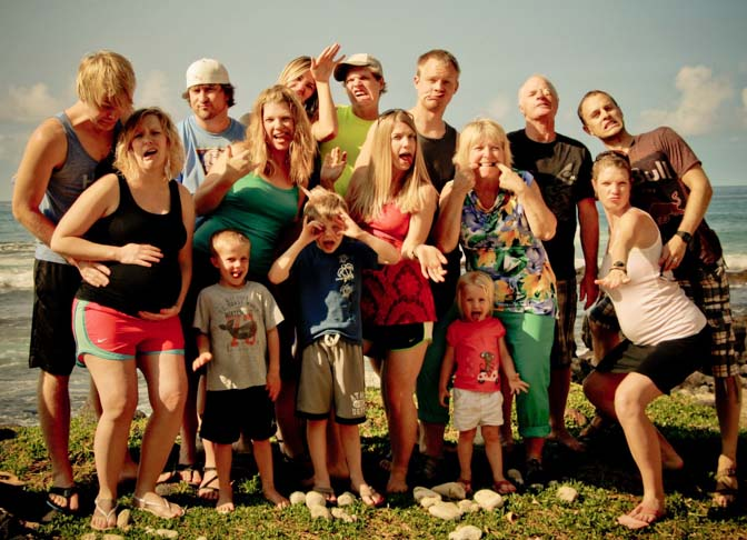 crazy saunders family photo at a kona beach